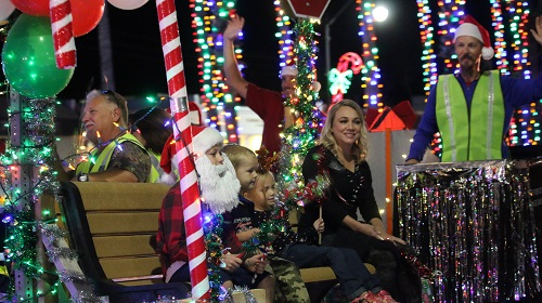 Venice Fl Christmas Parade 2020 Holiday Parade returns to W Venice Ave 11/30; no chairs allowed in