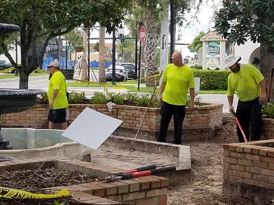 Parks workers installing the new fountain at Fountain Park August 2019